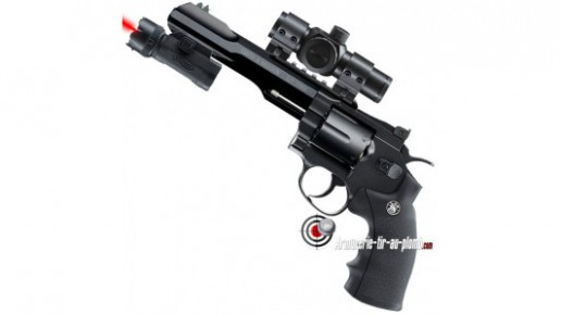 Smith & Wesson 327 TRR8 - Equipé